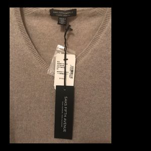 Saks Fifth Avenue 100% Cashmere V Neck Sweater XS